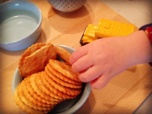 Hand & crackers