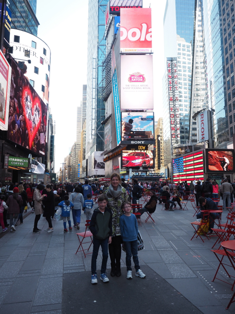 21 awesome things to do in new york style shenanigans for Things to do around times square